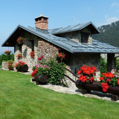 How To Select Holiday Cottages For Upcoming Trips?
