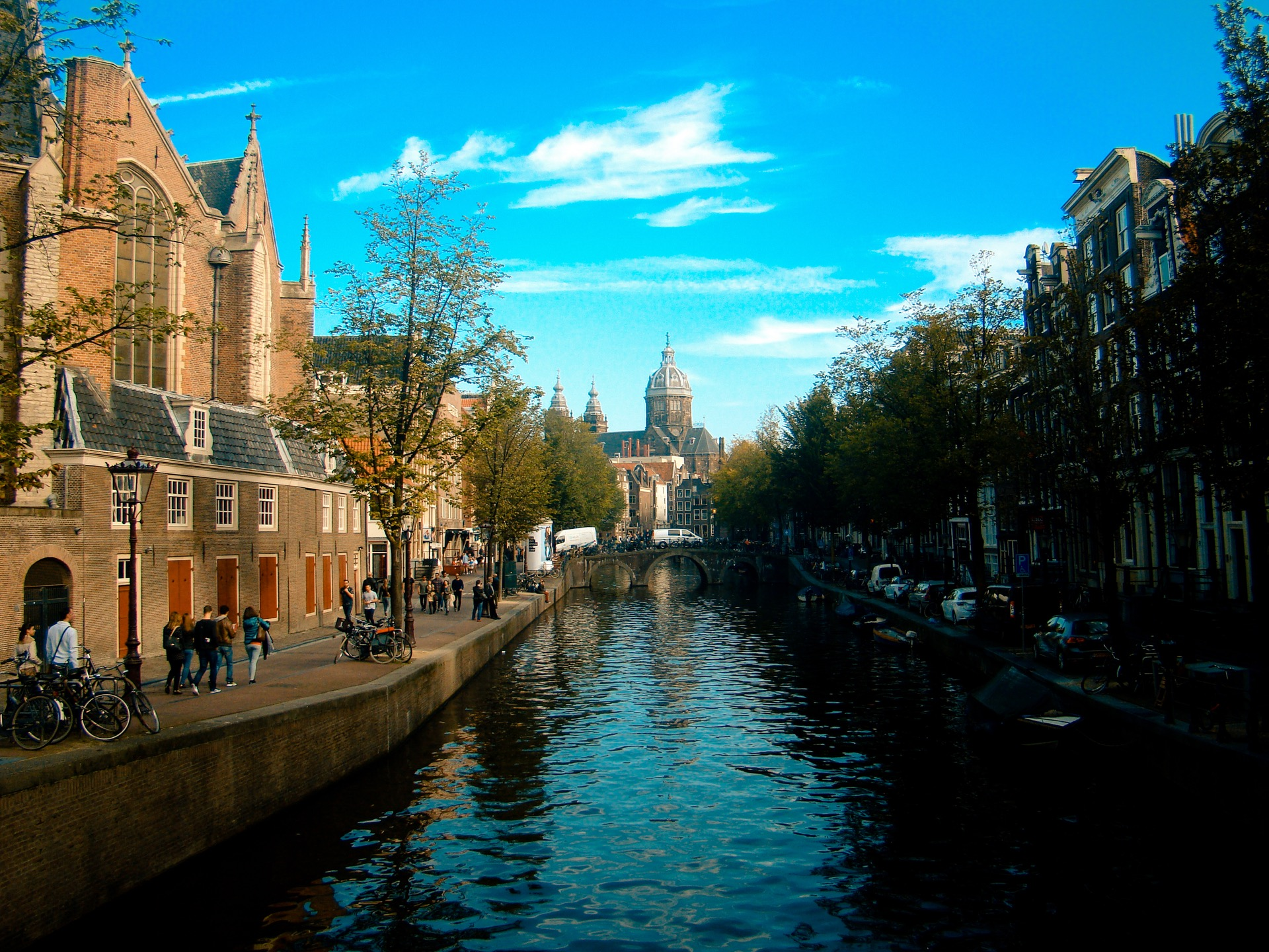 The Best Kind Of Amsterdam Travel Guide